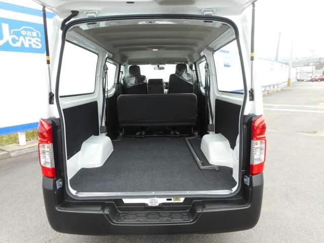 十分な積載力。積み込みやすさにも配慮し、荷室開口高と開口幅もさいだい限に確保しています。