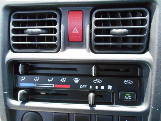 DX 5速マニュアル&AM・FMラジオ&エアコン付き(6枚目)