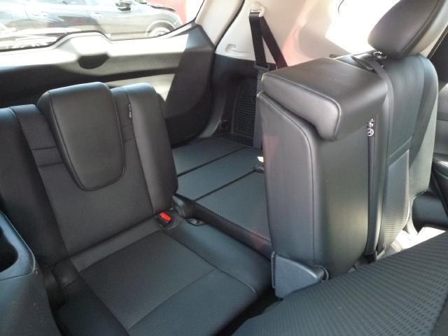 サードシート ドアや開閉できる窓がないので育ち盛りのお子さんには安心して乗れます。