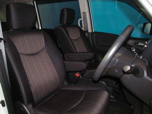 運転席は乗り心地がよく運転しやすいです♪