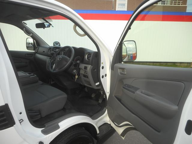 日産 NV350キャラバンバン DX エマブレpkg キーレス CDデッキ 当社社有車