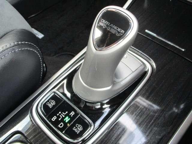 「三菱」「アウトランダーPHEV」「SUV・クロカン」「香川県」の中古車14
