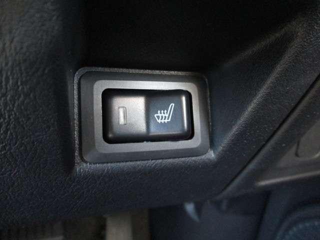 運転席シートヒーター付き!