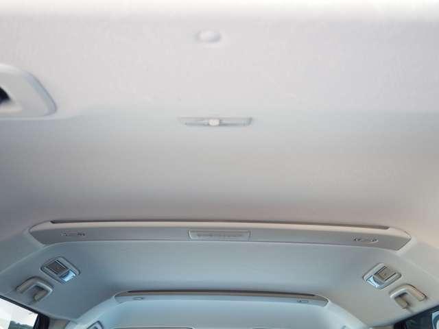 D プレミアム フルセグTV ワンオーナー ナビTV クルコン バックカメラ 4WD シートヒーター フロントカメラ メモリーナビ 両側PSドア 寒冷地仕様 電動テールゲート Dターボ ETC付 横滑り防止装置(11枚目)