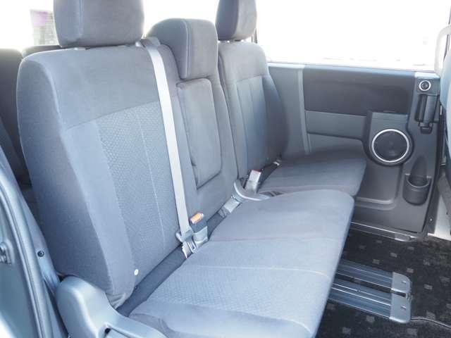 D プレミアム フルセグTV ワンオーナー ナビTV クルコン バックカメラ 4WD シートヒーター フロントカメラ メモリーナビ 両側PSドア 寒冷地仕様 電動テールゲート Dターボ ETC付 横滑り防止装置(13枚目)