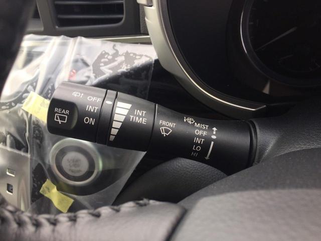 【スマートキー&プッシュスタート】鍵を挿さずにポケットに入れたまま鍵の開閉、エンジンの始動まで行えます♪