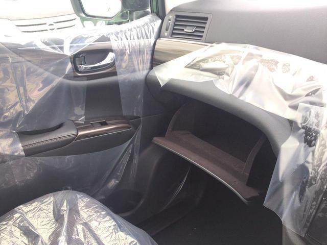 登録済未使用車でシートはキレイな状態ですのでご安心下さい♪