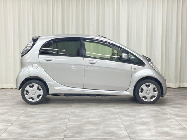 X X(4名)ワンオーナー 電気自動車 内地仕入 ナビ TV パワーステアリング パワーウィンドウ ABS LEDヘッドライト フォグランプ キーレスオペレーション フロントシートヒーター パドルシフト付(4枚目)