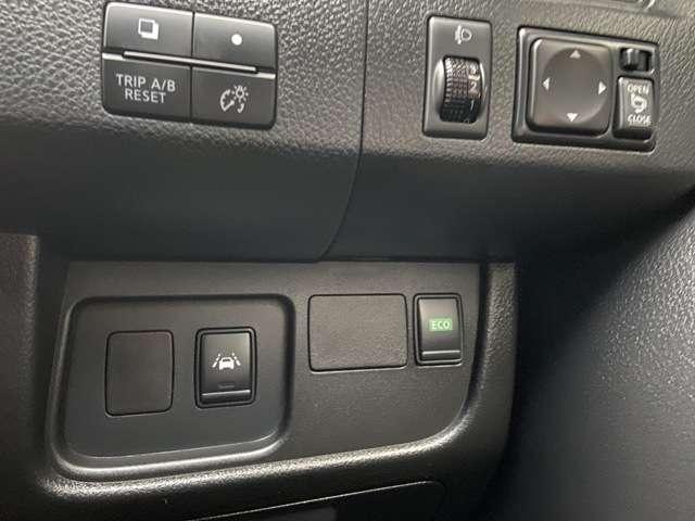 展示車、試乗車等の高年式車は新車の保証を継承することができます。詳しくはこちらのURLにてご確認下さい!http://www.nissan.co.jp/SERVICE/YOKUARU/SHINSHA-