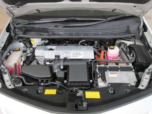 室内・エンジンルームはクリーニング済♪外装も業者さまで磨き済(^^)/ エンジン出力 99ps(73kW)/5200rpm トルク 14.5kg・m(142N・m)/4000rpm タンク容量 45L
