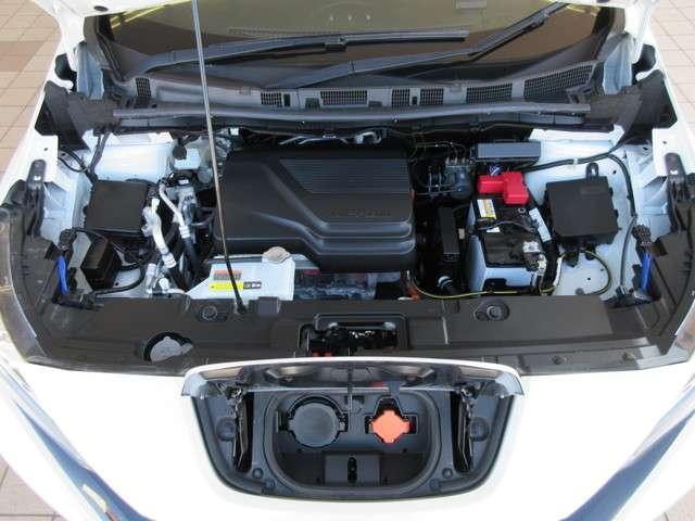 エンジンルーム・室内クリーニング済♪ボディも業者さまで磨き済み(^^)/ 駆動用バッテリー容量 40kWh バッテリー出力 110kW(150PS)/3283〜9795rpm トルク 320N・m(3