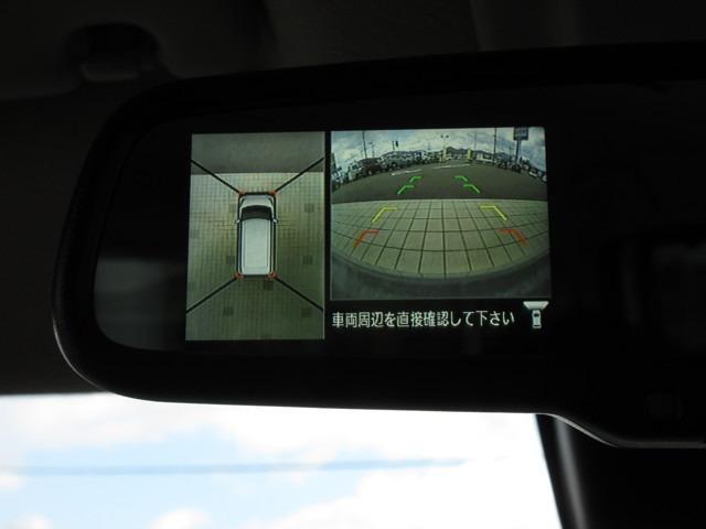 アラウンドビューモニターはリバースに入れるとルームミラーにモニター画像が自動で表示されますが、アラウンドビューモニター対応のナビ装着でナビ画面に映す事も可能です♪