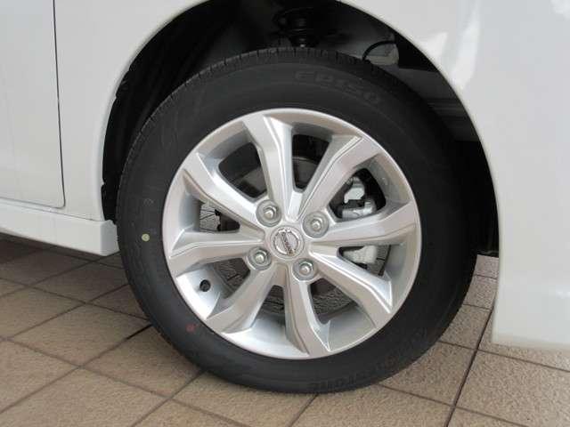純正14インチアルミホイールに新車装着タイヤ BRIDGESTONE ECOPIa EP150 155/65R14 2018 が装着されています♪
