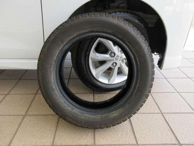 タイヤのみですが BRIDGESTONE BLIZZAK VRX 155/65R14 スタッドレス有ります♪