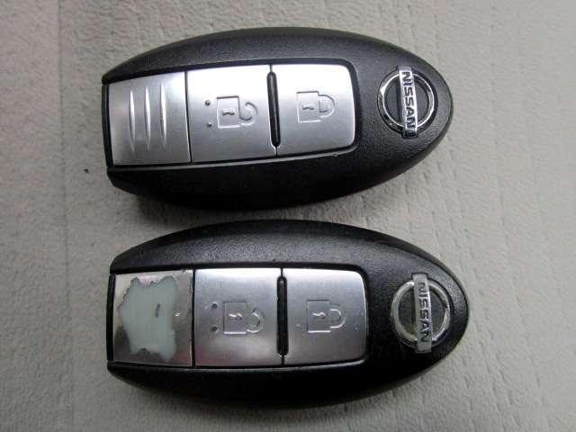 インテリジェントキーは、インテリジェントキーを携帯することにより、キーを取り出すことなく全ドア(バックドアを含む)の施錠・解錠やエンジンの始動ができます。