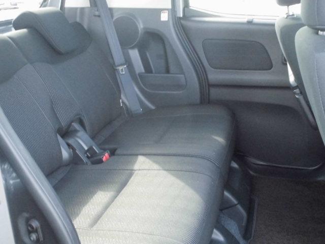 ◆後席ロングスライド◆運転席のママと後席のこどもを接近させたり、シーンに合わせて自在にスライドが可能です!