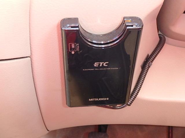 トヨタ ラウム Cパッケージ 左側オートスライドドア