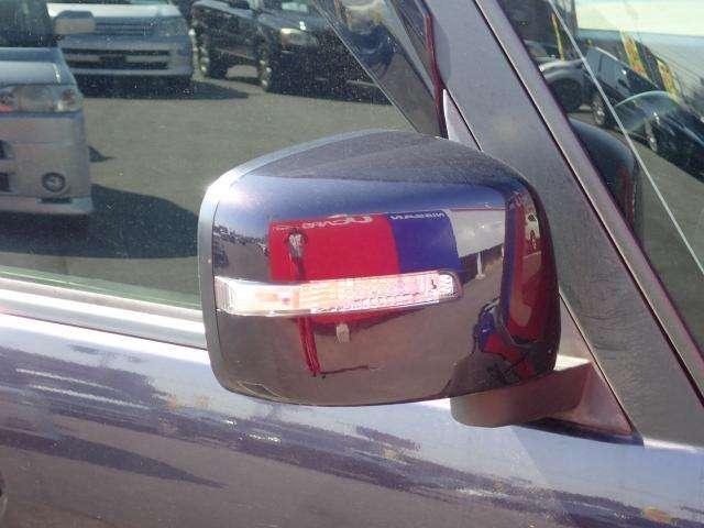 対向車への視認性UP!ウインカー付きドアミラーです♪