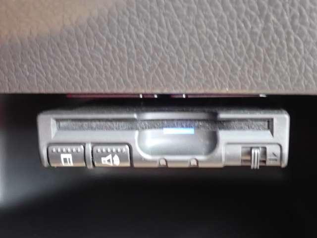 X Vセレクション 純正メモリーナビ(MM318D-L)フルセグ・Bluetooth・ETC2.0・ドラレコ・エマブレ・横滑り防止装置・アイドリングストップ(7枚目)