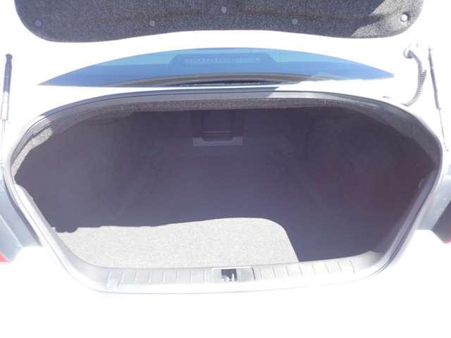 370GT メーカー純正HDDナビ・フルセグ・ETC・パワーシート・横滑り防止装置・LEDヘッドライト(15枚目)