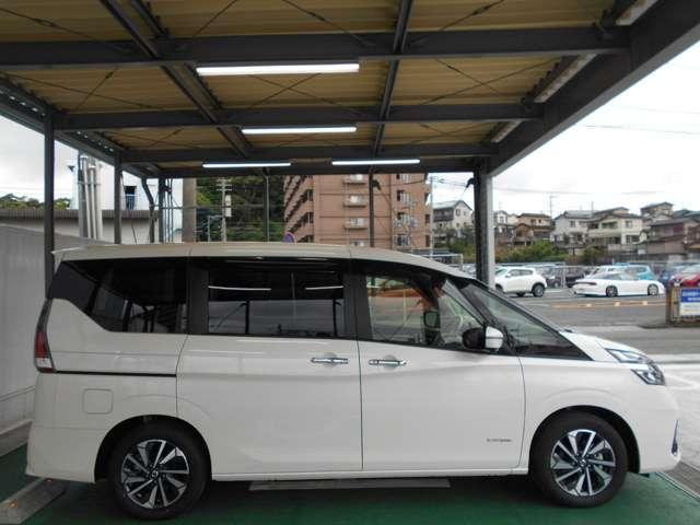 2.0 XV 試乗車・10型ナビ・後席モニタ・プロパイ(14枚目)