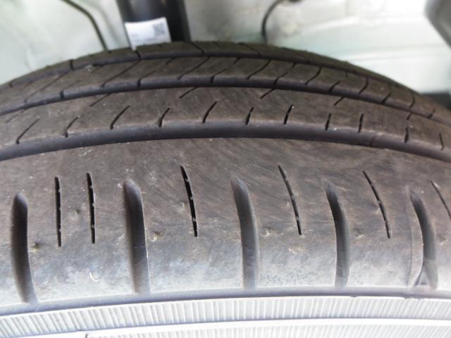 タイヤ残り溝