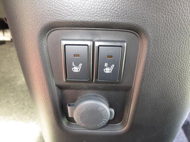 全席両側シートヒータースイッチ&アクセサリーソケット