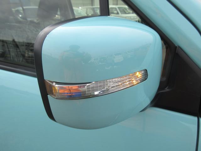 サイドターンランプ付きドアミラーです!周りからの視認性を高めてくれるので安全性が向上します!デザイン性にも優れてます(^O^)