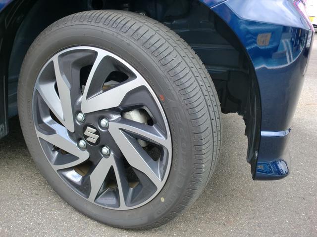 アルミホイールがシャープに演出 タイヤの残り溝6mm