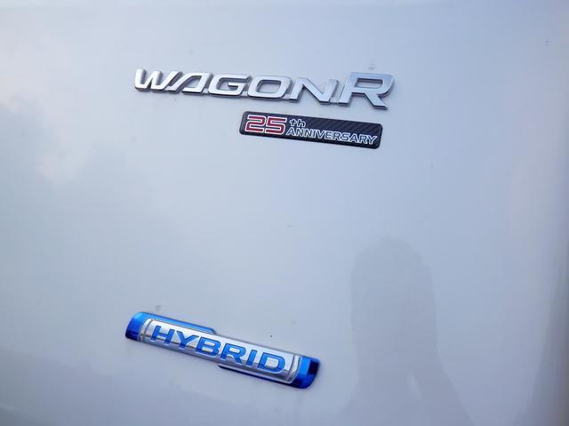 ワゴンR 25周年記念のエンブレムが光る一台です!