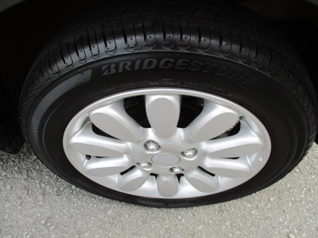 純正アルミホイール装備です!タイヤの溝もしっかり残っております!!