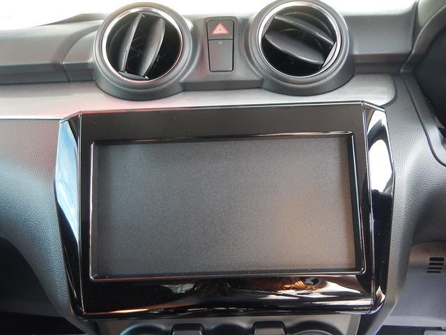オーディオレス仕様車なので、お好きなデッキやナビを付けることができます