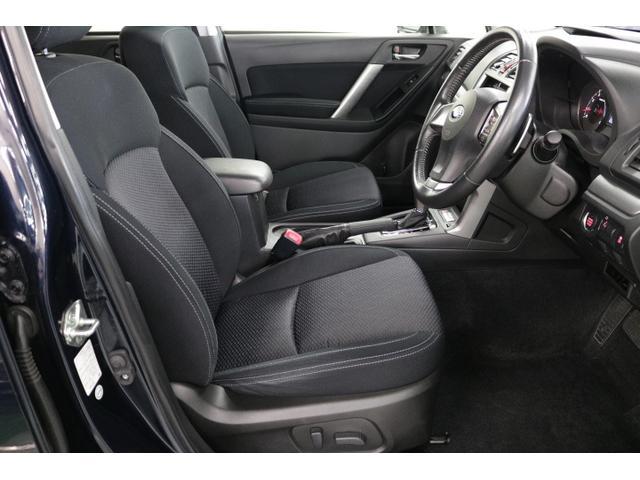 運転がしやすいフロントシート◆座面を高めに設定し、前方の見通しが良好です。電動シートを採用し、シートが微調整できるので自分にぴったりのシートポジションがとれます!運転がしやすく、疲れずらいシートです♪