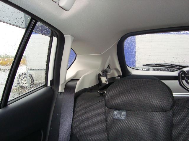 SUBARUは安心安全をご提供するため視界の良さにこだわった車作り。後方視界も良好です。