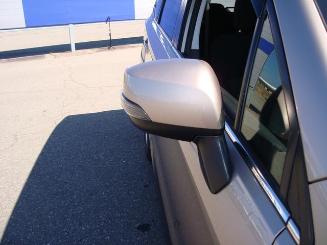 2.0i-L EyeSight ナビ バックカメラ 地デジ エンジンスタータ トノカバー 取扱説明書 メンテナンスノート ナビ取扱説明書ワイパーディアイサー ヘッドライトウォッシャー ETC パドルシフト HIDヘッドライト スペアタイヤ(8枚目)