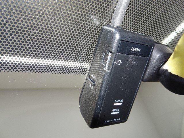 未だに品薄状態が続いているドライブレコーダーを装備!運転状況を記録できます。