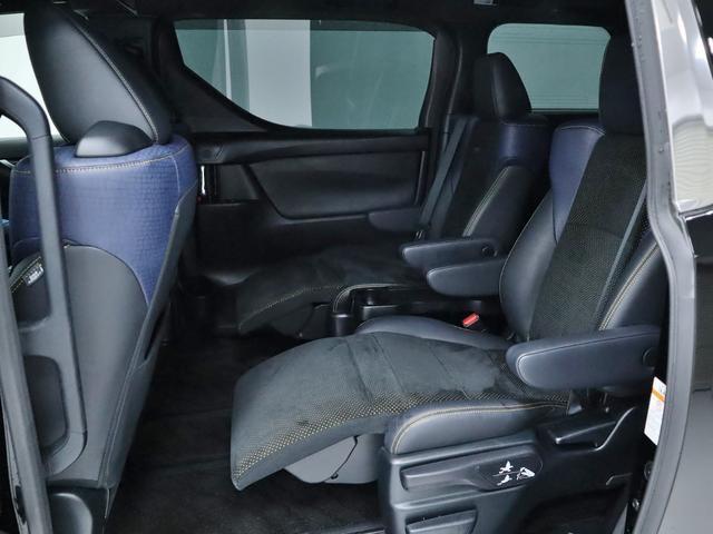 2.5Z Aエディション ゴールデンアイズ 4WD レーダークルーズ アルパインSDナビBカメラ フルセグTV 後席モニター 両側パワースライドドア  パワーバッイクドア オットマンシート(14枚目)