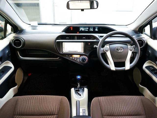 トヨタ アクア G LEDヘッドライト 純正ナビ 地デジ 禁煙ワンオーナー
