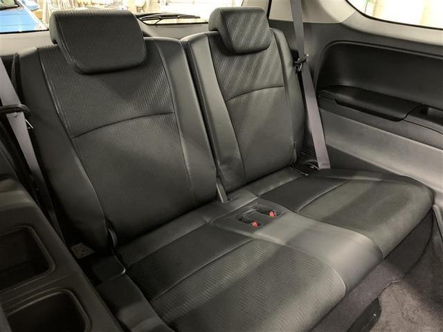 アブソルート 4WD フルセグ HDDナビ DVD再生 ミュージックプレイヤー接続可 バックカメラ ETC HIDヘッドライト 乗車定員7人 3列シート(8枚目)