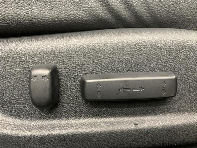 アブソルート 4WD フルセグ HDDナビ DVD再生 ミュージックプレイヤー接続可 バックカメラ ETC HIDヘッドライト 乗車定員7人 3列シート(16枚目)