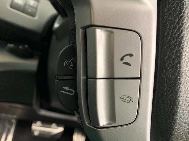 アブソルート 4WD フルセグ HDDナビ DVD再生 ミュージックプレイヤー接続可 バックカメラ ETC HIDヘッドライト 乗車定員7人 3列シート(33枚目)