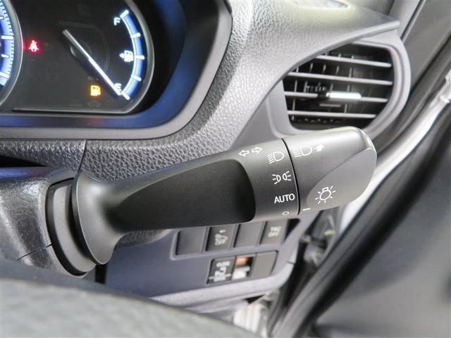 コンライト搭載。車外の明るさに応じて、ライトの点灯・消灯をしてくれます。