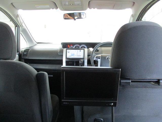 後席モニター付。後席ゆったりお乗りいただけます♪長距離ドライブもみんなで楽しくどうぞ!!
