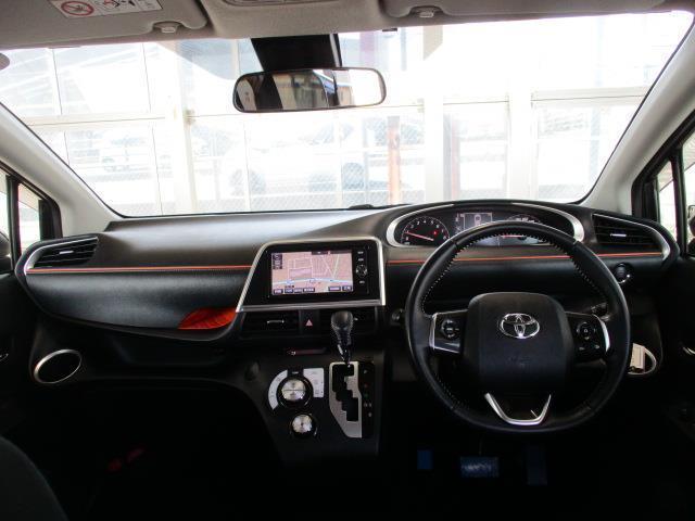 運転席・助手席エアーバック標準装備、もしもの時乗っている人を守ります。でもシートベルトは忘れずに締めてください。