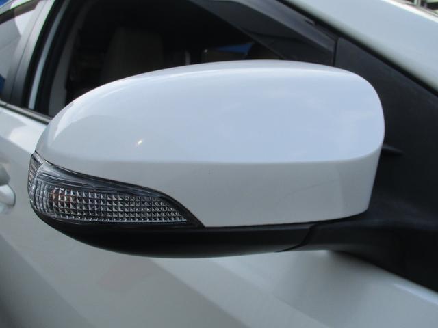 今主流のウィンカー付ドアミラーです。周りからどちらに曲がるかわかりやすく、安全性が向上します。
