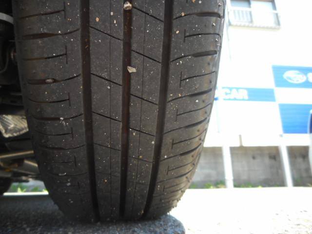 タイヤの残り溝がたっぷり残っていますので安心ですね。