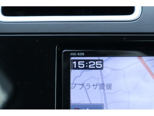 ナビ型式は、AVIC-RZ09