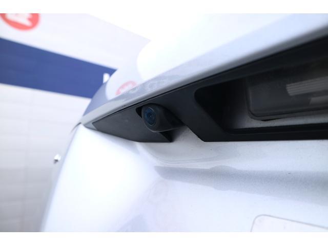 バックカメラ搭載済み。 後退駐車が苦手な方にも心強い専属アシスタントが付いております。