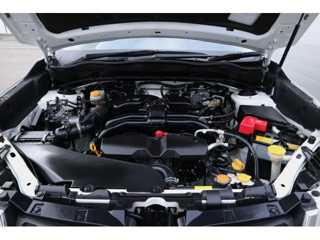 【エンジンルーム】スバルの四輪駆動はフルタイム。常に4輪が地面を掴むことが、安定感ある走りへとつながります。