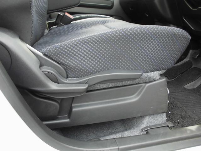 シートリフターも付いておりますので、座面をお好みの高さに調整可能です。